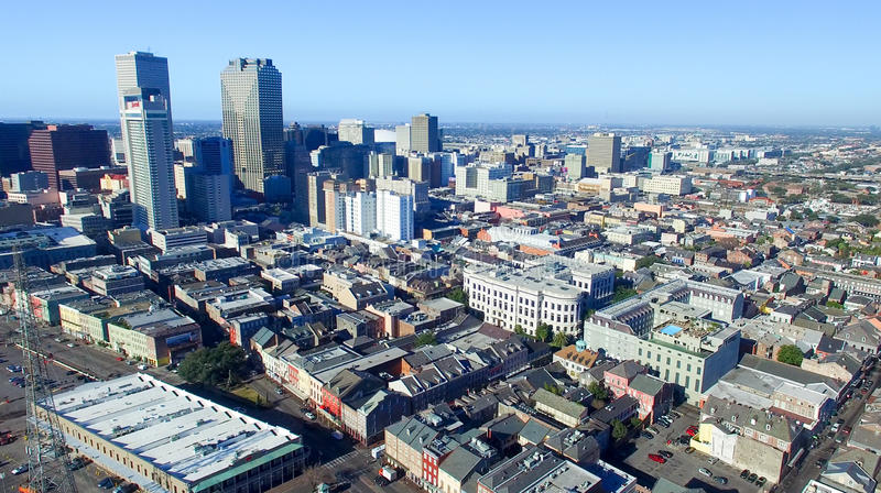 NEW ORLEANS, LA - FEBRUAR 2016: Luftstadtansicht New Orleans a lizenzfreie stockfotografie