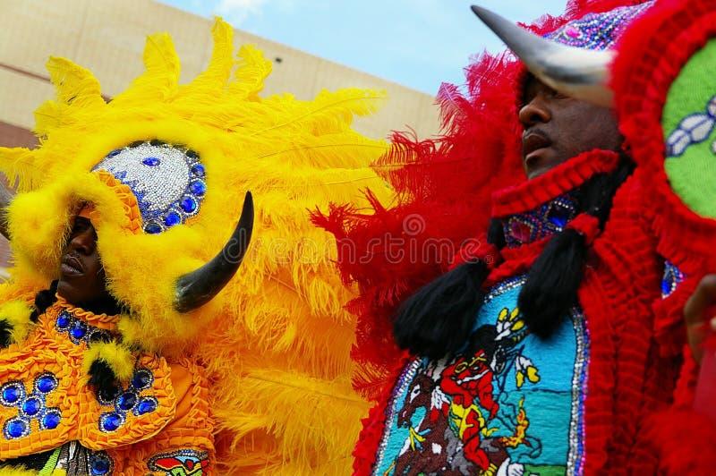 NEW ORLEANS LA/USA -03-18-2012: Afrikanska amerikaner i Mardi Gr royaltyfria bilder