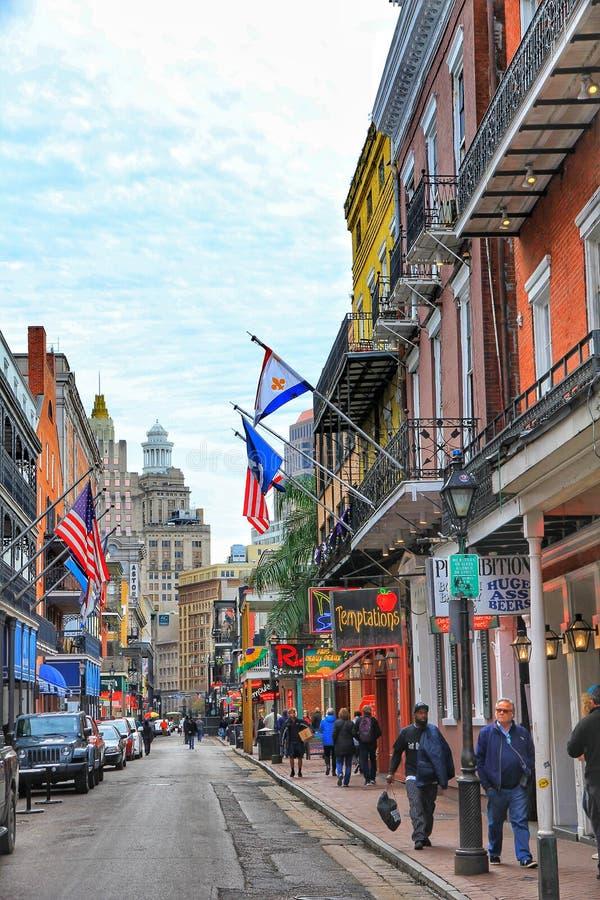 New Orleans, Luisiana, cielos hermosos USA-28 sobre el edificio histórico del barrio francés en New Orleans imagenes de archivo