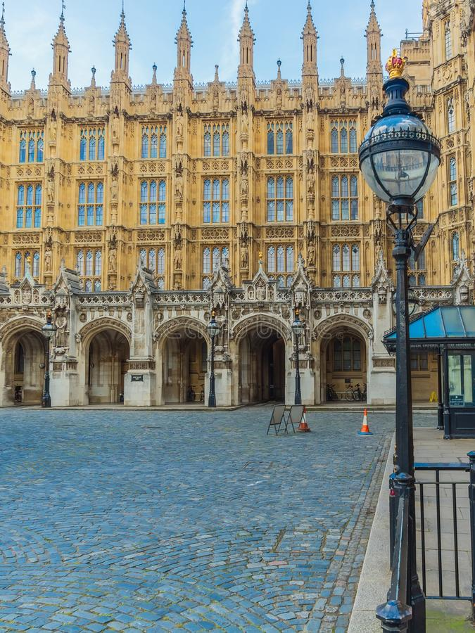 The New Palace Yard of the Westminster Palace and the Houses of Parliament, Londres, Reino Unido foto de archivo
