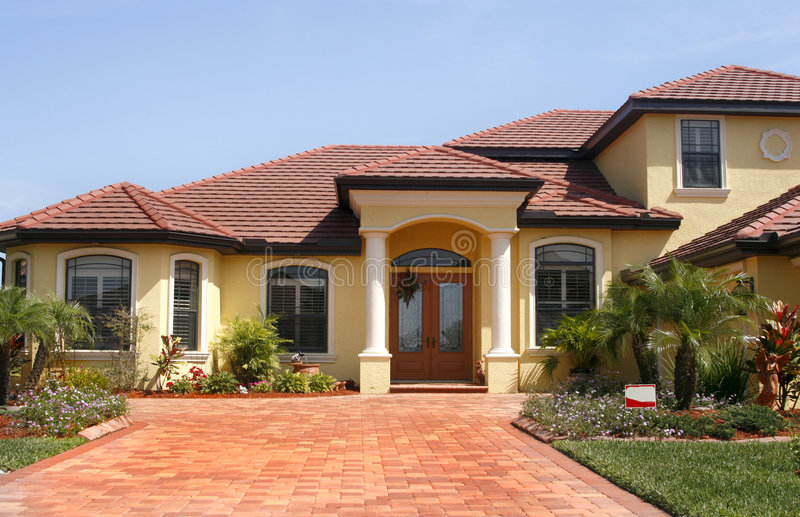 New upscale home in tropics royalty free stock photos