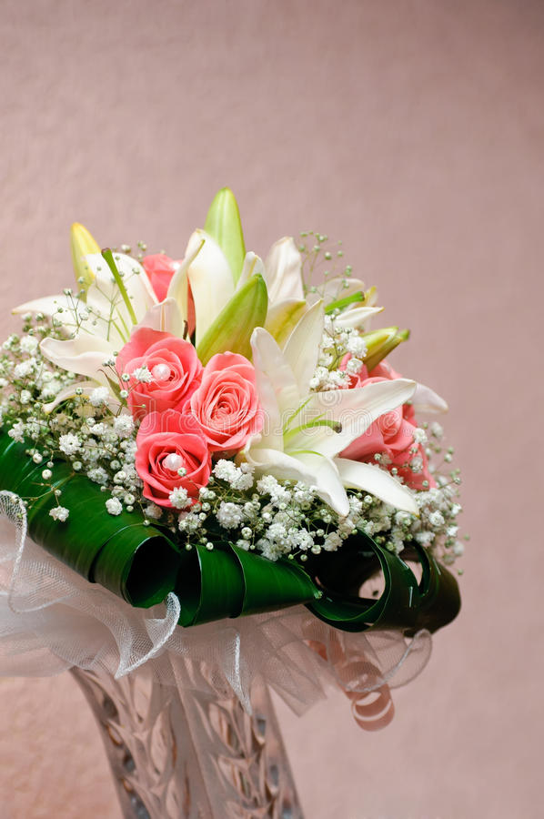 Download New Wedding Bouquet With Rose And Lily Stock Image - Image: 21069267