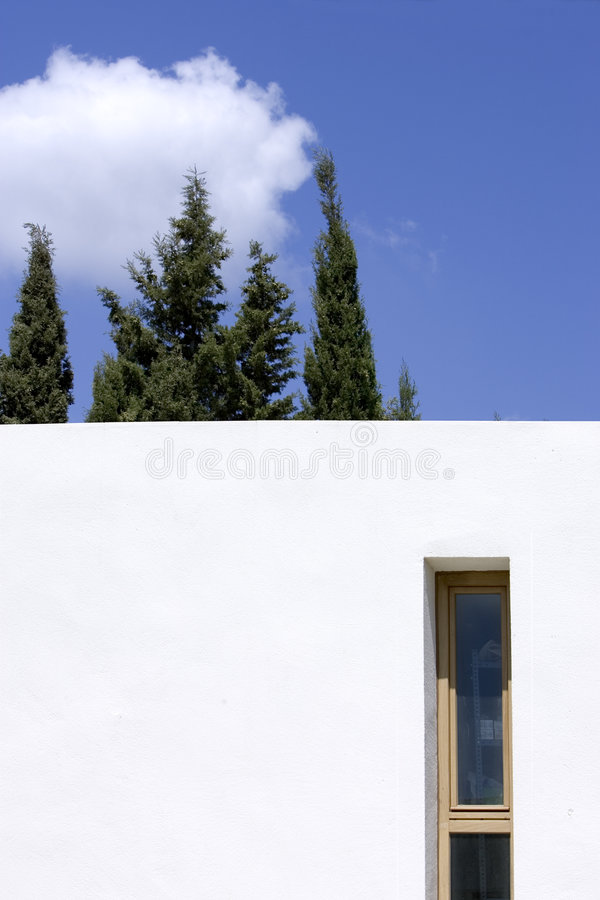 Free New, White Building With Trees And Blue Sky Royalty Free Stock Photos - 219938