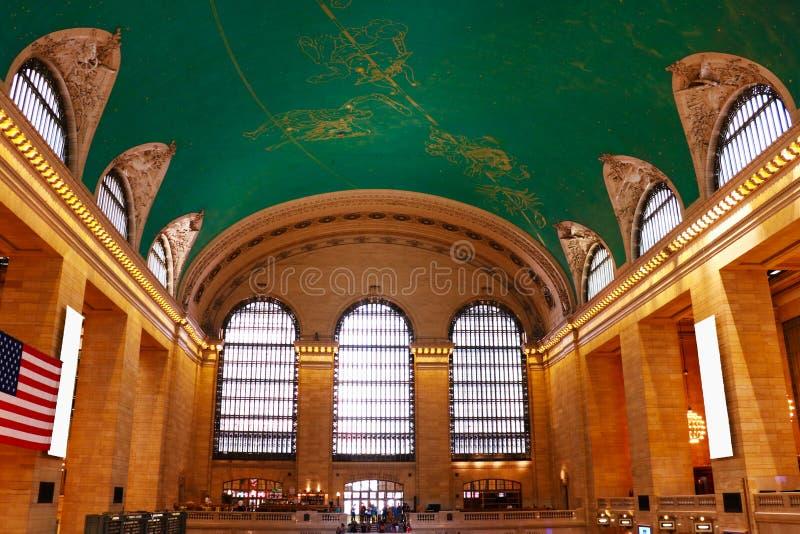 NEW YORK - AUGUSTUS 26, 2018: Eind de spoorwegterminal van Grand Central bij 42ste Straat en Park Avenue in Uit het stadscentrum  royalty-vrije stock fotografie
