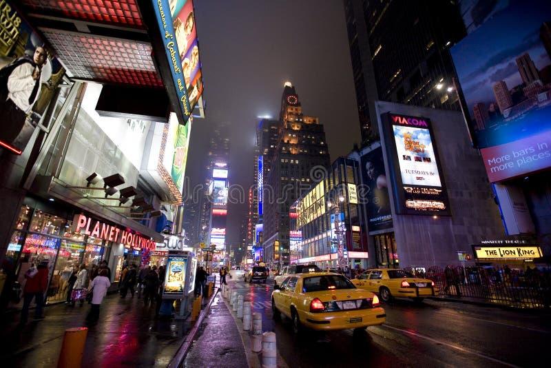 New York Broadway bij nacht stock fotografie