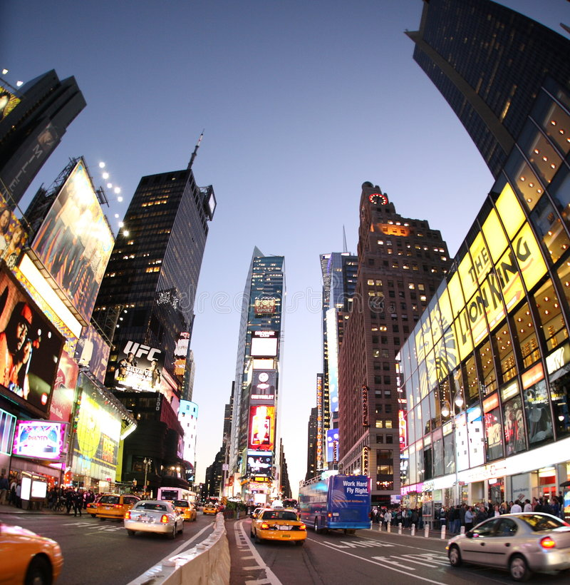 New York Broadway na noite imagem de stock royalty free