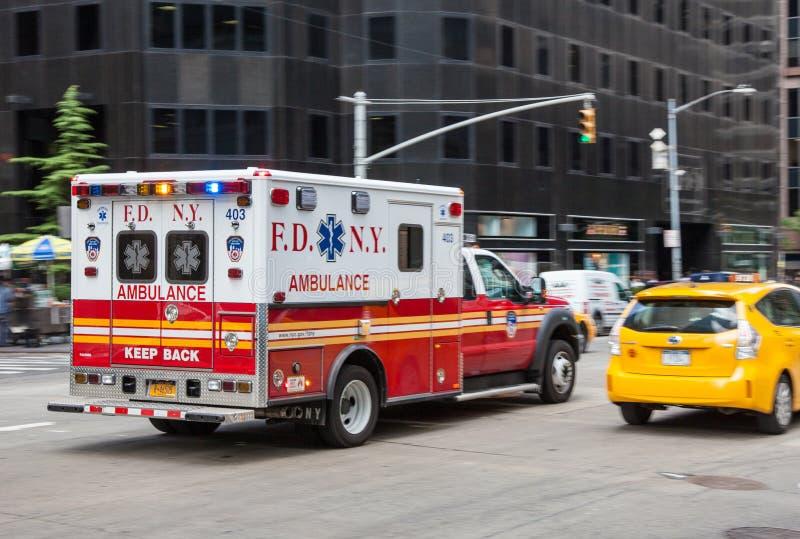 New York City ambulans fotografering för bildbyråer