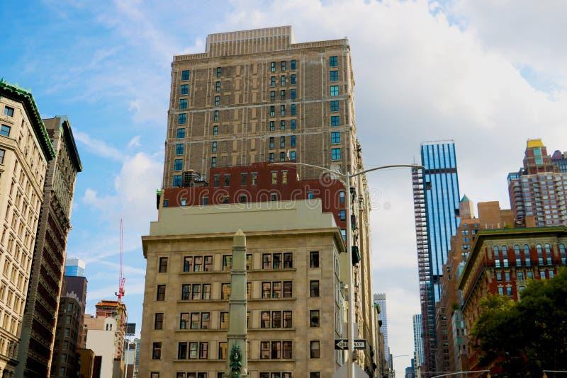 New York City - 25 août 2018 : Vue du critère de bâtiment de commodore, maintenant retitrée bâtiment de Porcelanosa, à la jonctio images libres de droits