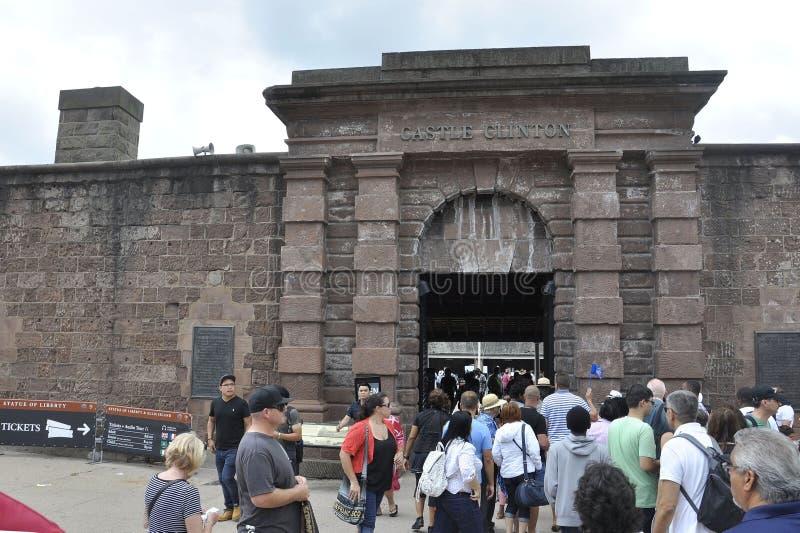 New York City, am 2. August: Clinton Castle vom Batterie-Park im Lower Manhattan New York City lizenzfreie stockfotografie