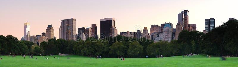 New York City Central Park no panorama do crepúsculo fotografia de stock royalty free