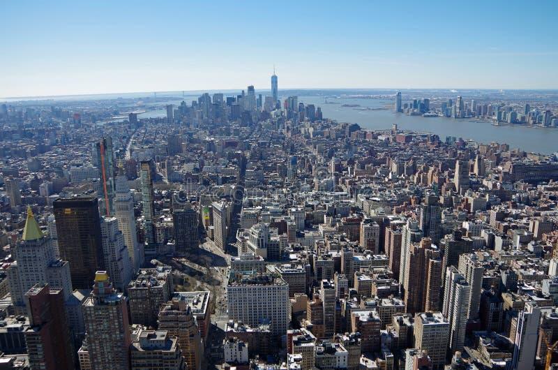 NEW YORK CITY - 5 DE MARÇO: Opinião aérea da arquitetura da cidade de Manhattan, o 5 de março de 2017 em New York, EUA imagem de stock royalty free