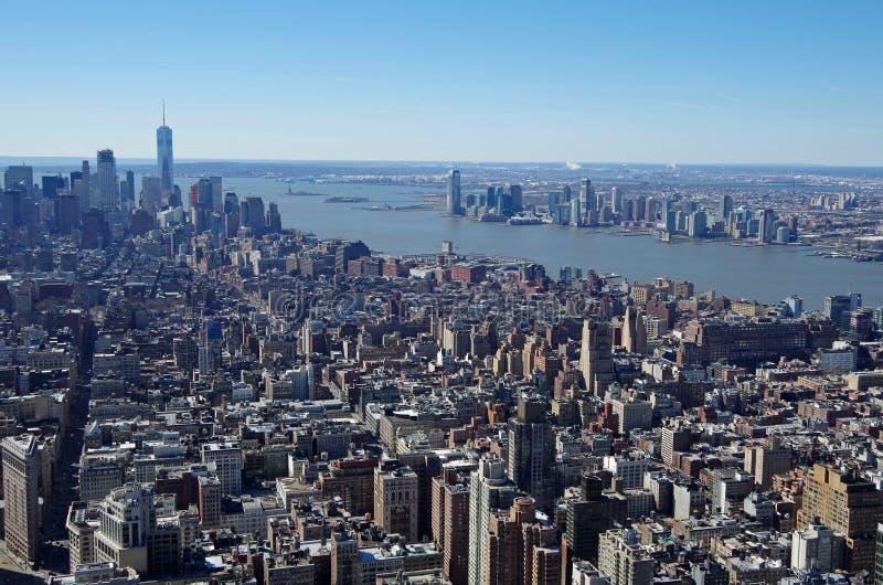 NEW YORK CITY - 5 DE MARÇO: Opinião aérea da arquitetura da cidade de Manhattan, o 5 de março de 2017 em New York, EUA fotos de stock