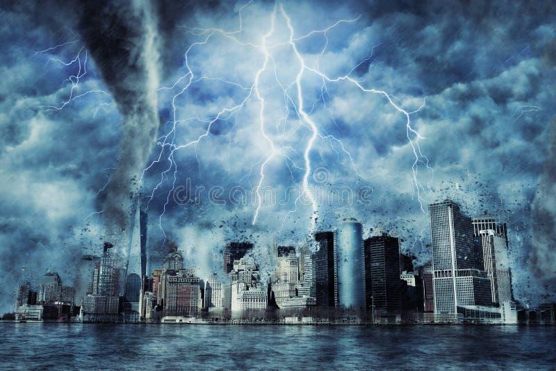 New York City durante a tempestade, a chuva e a iluminação pesadas em New York fotografia de stock royalty free