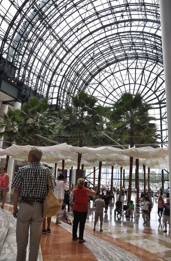 New York City, el 2 de julio: Interior del lugar de Brookfield en Manhattan de New York City en Estados Unidos imágenes de archivo libres de regalías