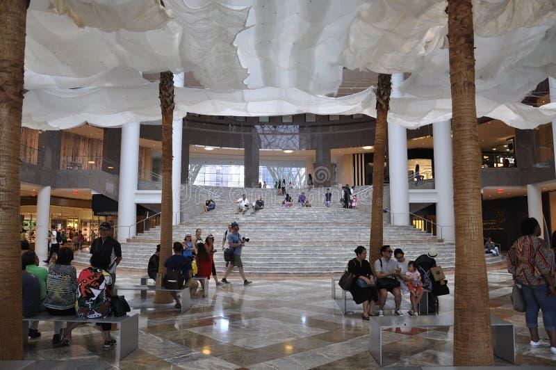 New York City, el 2 de julio: Interior del lugar de Brookfield en Manhattan de New York City en Estados Unidos fotos de archivo