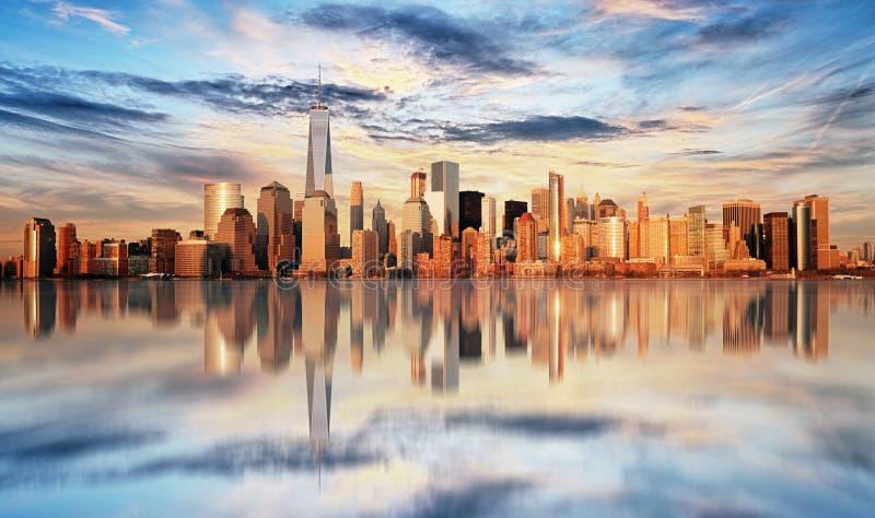 New York City en la puesta del sol, Lower Manhattan imágenes de archivo libres de regalías