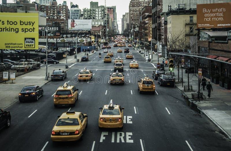 New York City - Fahrerhäuser u. Straßen-Ansicht stockfotos