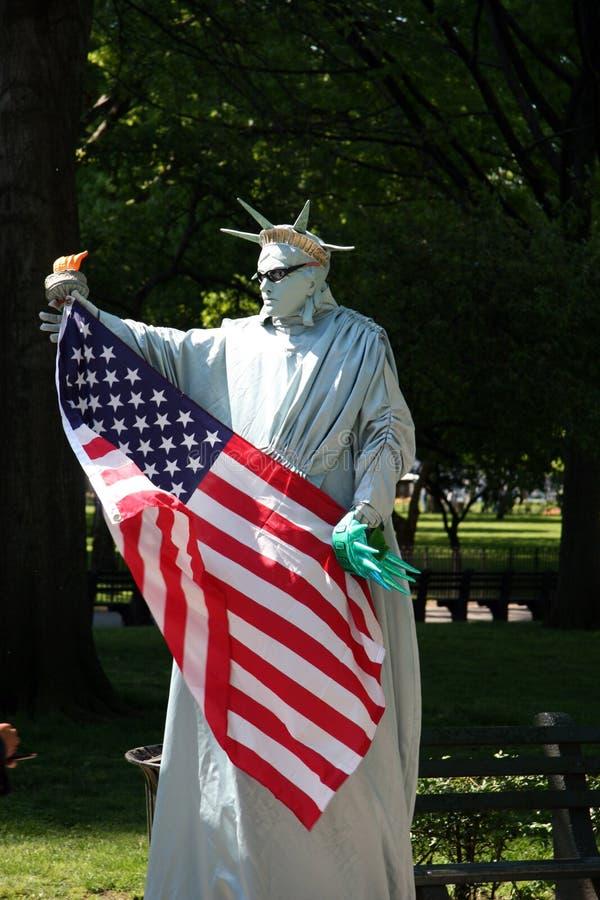 New York City: Freiheitsstatue Pantomimen Redaktionelles Bild