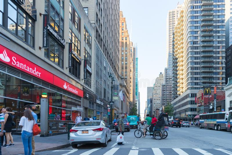 New York City gataväg i Manhattan fotografering för bildbyråer