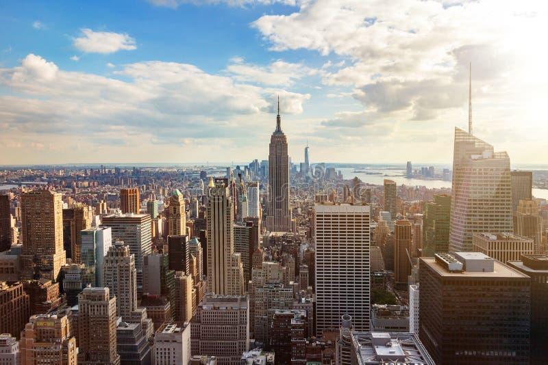New York City horisont från taköverkant royaltyfri foto
