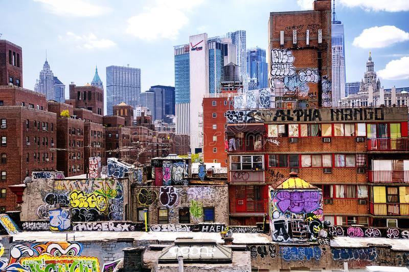New York City horisont och grafittidag royaltyfri fotografi