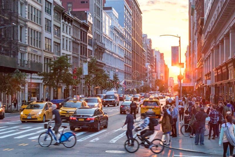 New York City - intersection occupée à Manhattan photographie stock