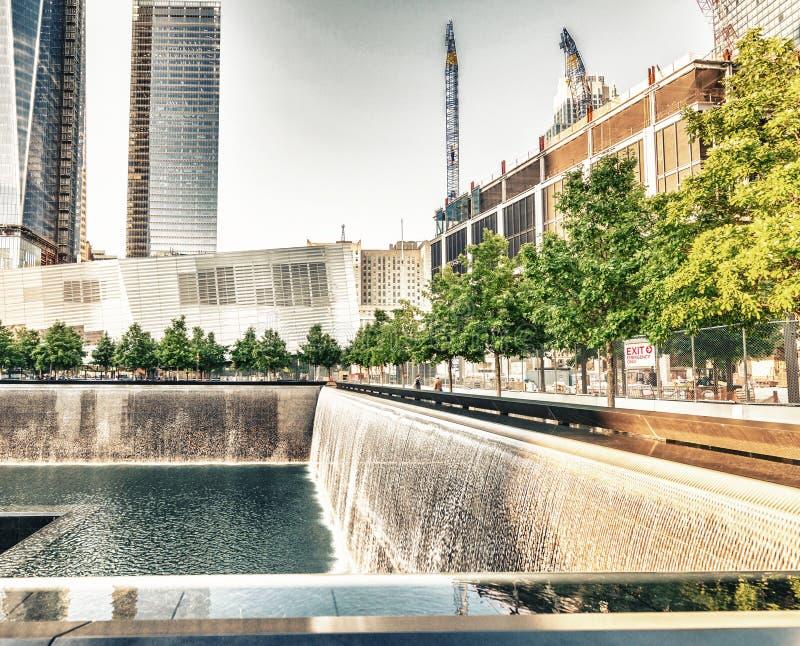 NEW YORK CITY - 12 JUIN : Aperçu du site 9/11 commémoratif à t images stock