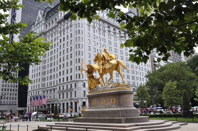 New York City, am 1. Juli: Das Piazza-Hotel in der großartigen Armee-Piazza von Midtown Manhattan von New York City in Vereinigte lizenzfreies stockbild