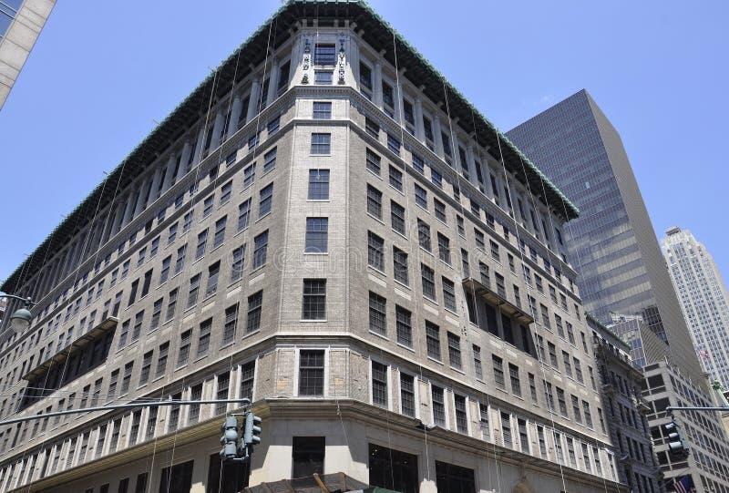 New York City, am 2. Juli: Lord u. Taylor Building vom Fifth Avenue in Manhattan von New York City in Vereinigten Staaten lizenzfreies stockbild
