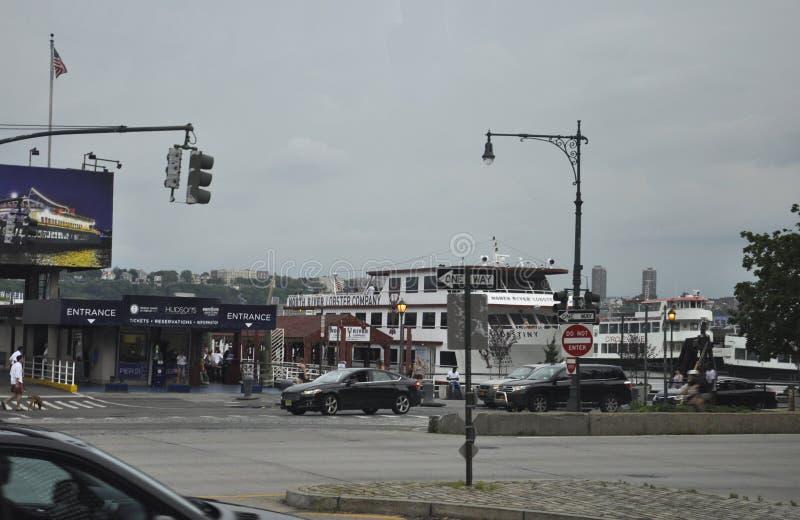 New York City, am 2. Juli: Westhafen-Hafen von Manhattan von New York City in Vereinigten Staaten lizenzfreie stockfotos