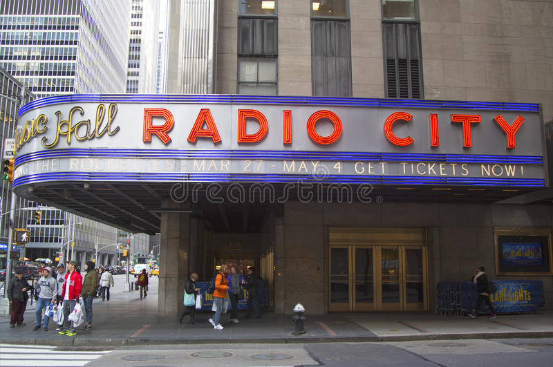 Download New York City Landmark, Radio City Music Hall In Rockefeller Center Editorial Stock Image - Image: 39383029