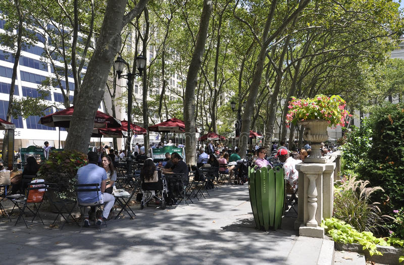 New York City, le 3 août : Bryant Park de Manhattan à New York images libres de droits