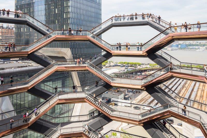 New York City, NY, EUA - 17 de maio de 2019: A embarca??o, igualmente conhecida como Hudson Yards Staircase foto de stock royalty free