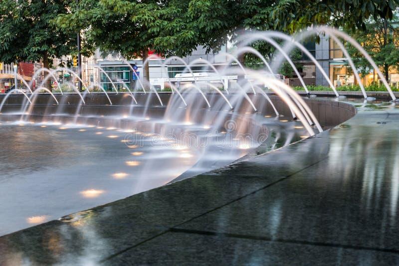 New York City, NY/USA - vers en juillet 2015 : Fontaine de cercle de Columbus à New York photos stock