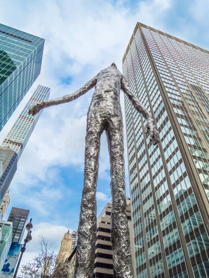 New York City oben schauen lizenzfreie stockfotos