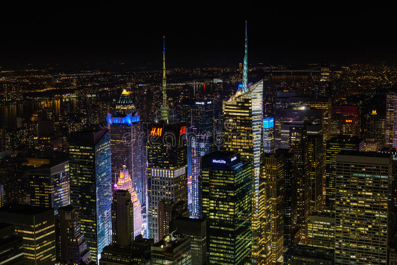 New York City på natten från Empire State Building royaltyfria bilder