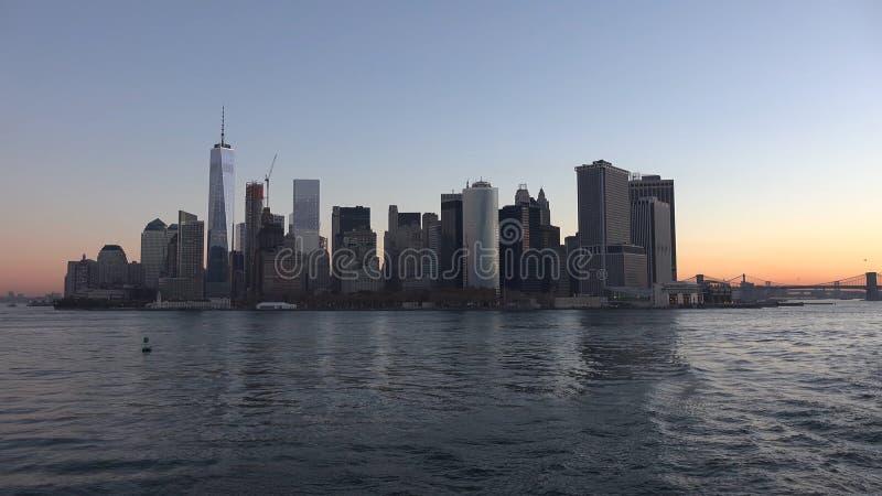 New York City panorama med Manhattan horisont över Hudson River royaltyfri bild
