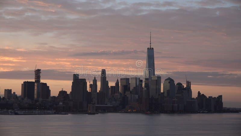 New York City panorama med Manhattan horisont över Hudson River arkivbild