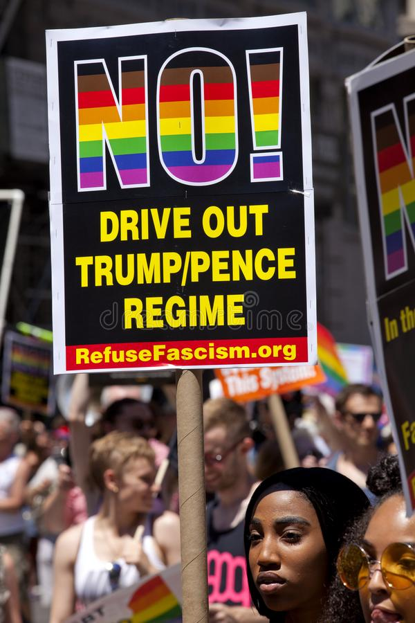 New York City Pride Parade - Protest des Trumpfs stockbilder