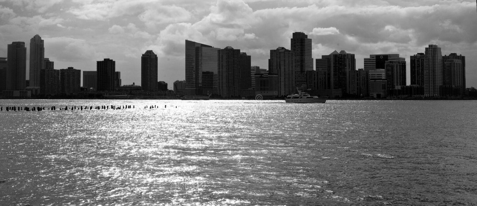 Download New York City Skyline In Black And White Stock Image - Image: 32875167