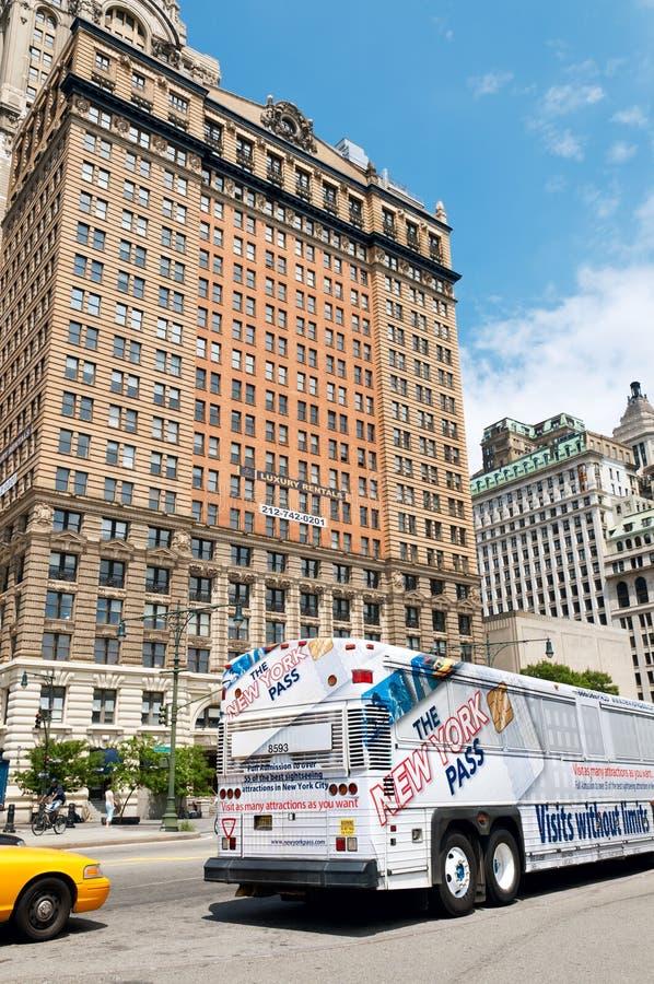 New York City tour bus in Lower Manhattan stock photos