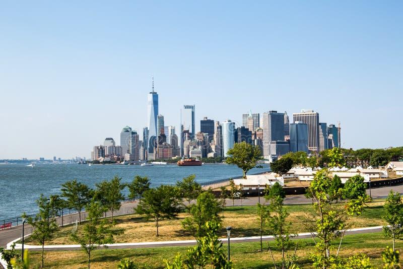 New York City/USA - JULI 14 2018: Lower Manhattanhorisontsikt arkivbild