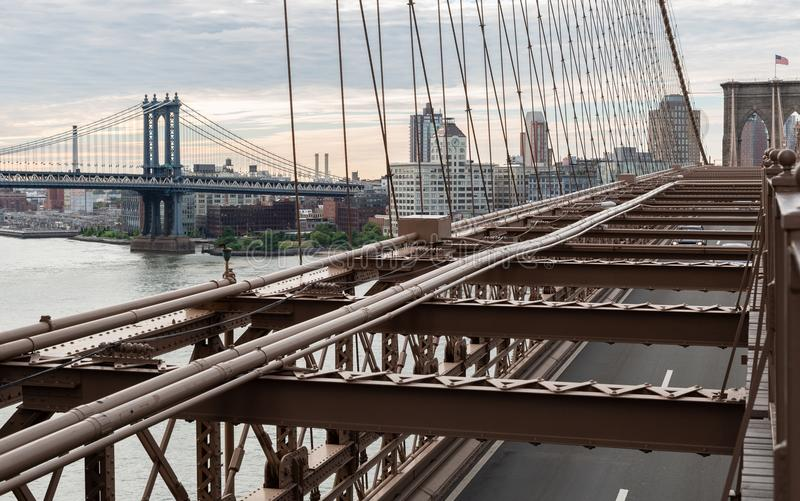New York City/USA - 20. Juni 2018: Brooklyn-Brücke mit Manhatta stockfotos