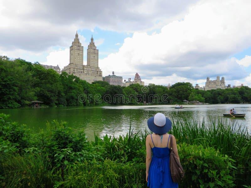 New York City, New York, Vereinigte Staaten - 26. Juni 2014: Ein youn lizenzfreies stockbild