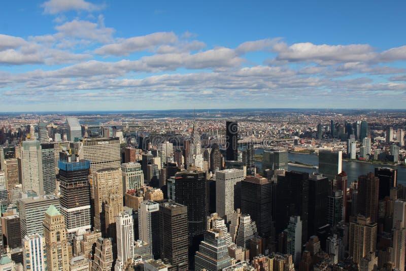 New- York Cityhimmel-Ansicht stockfotografie