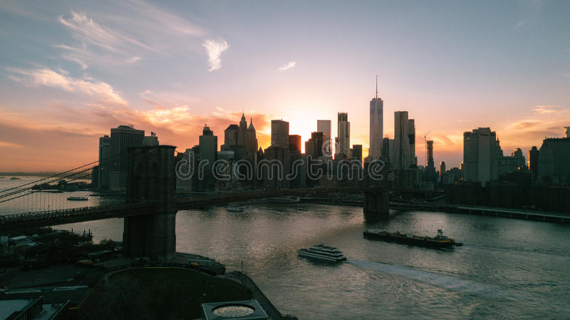 New- York Citysonnenuntergang stockfotos