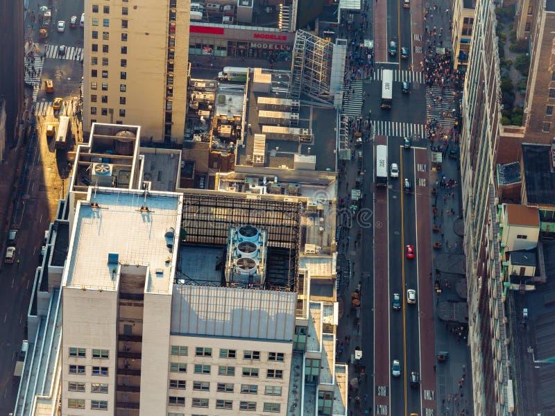 New- York Citywolkenkratzerstraßenvogelperspektive stockfotos