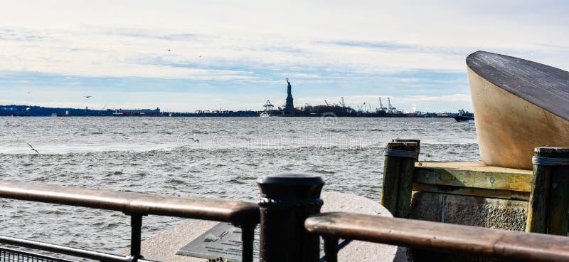 New York, de V Amerikaans Koopvaardijmariners memorial in Batterijpark stock fotografie