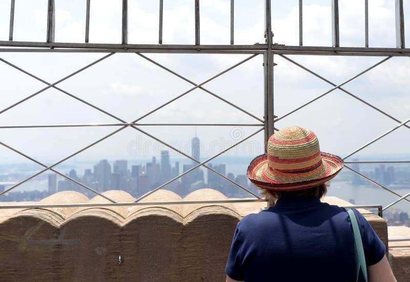New York, de V.S. - 8 Juni, 2018: Toeristen op het observatiedek o stock afbeelding