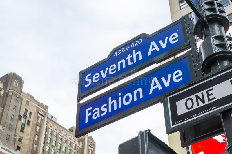 NEW YORK, DE V.S. - 23 NOVEMBER: Zevende Weg en Manierweg st royalty-vrije stock foto